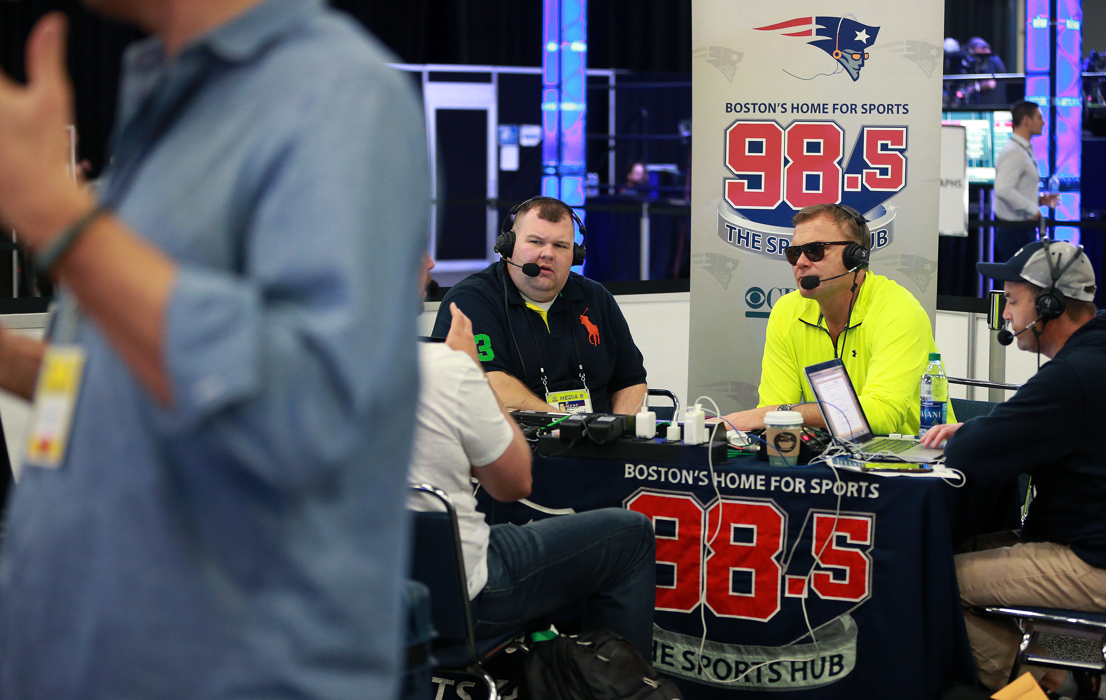 Boston Radio Stations >> Wbz The Sports Hub Get New Owners As Entercom Moves To