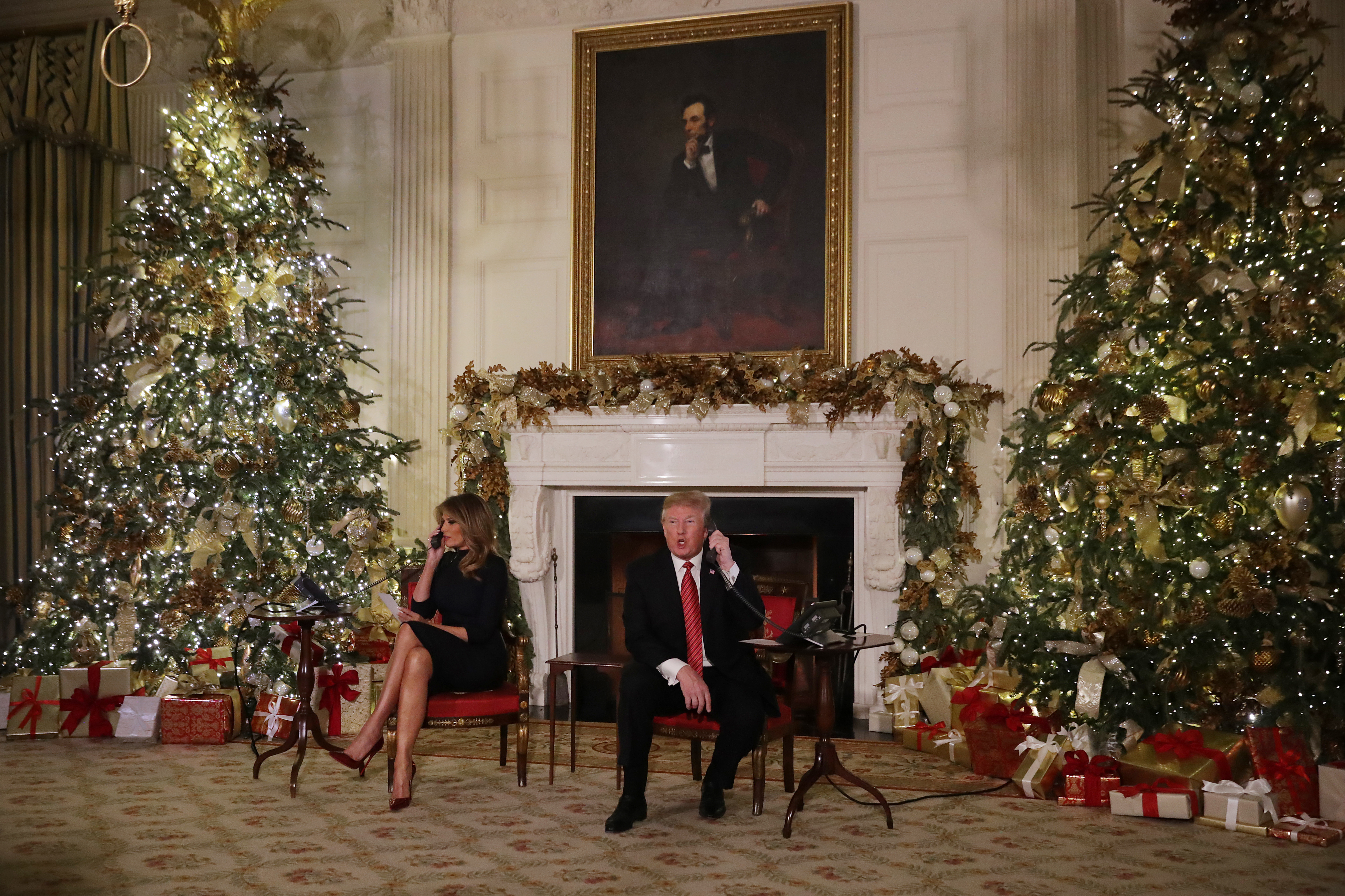 Trump Christmas.Trump Tells A Child On Christmas Eve That Believing In Santa