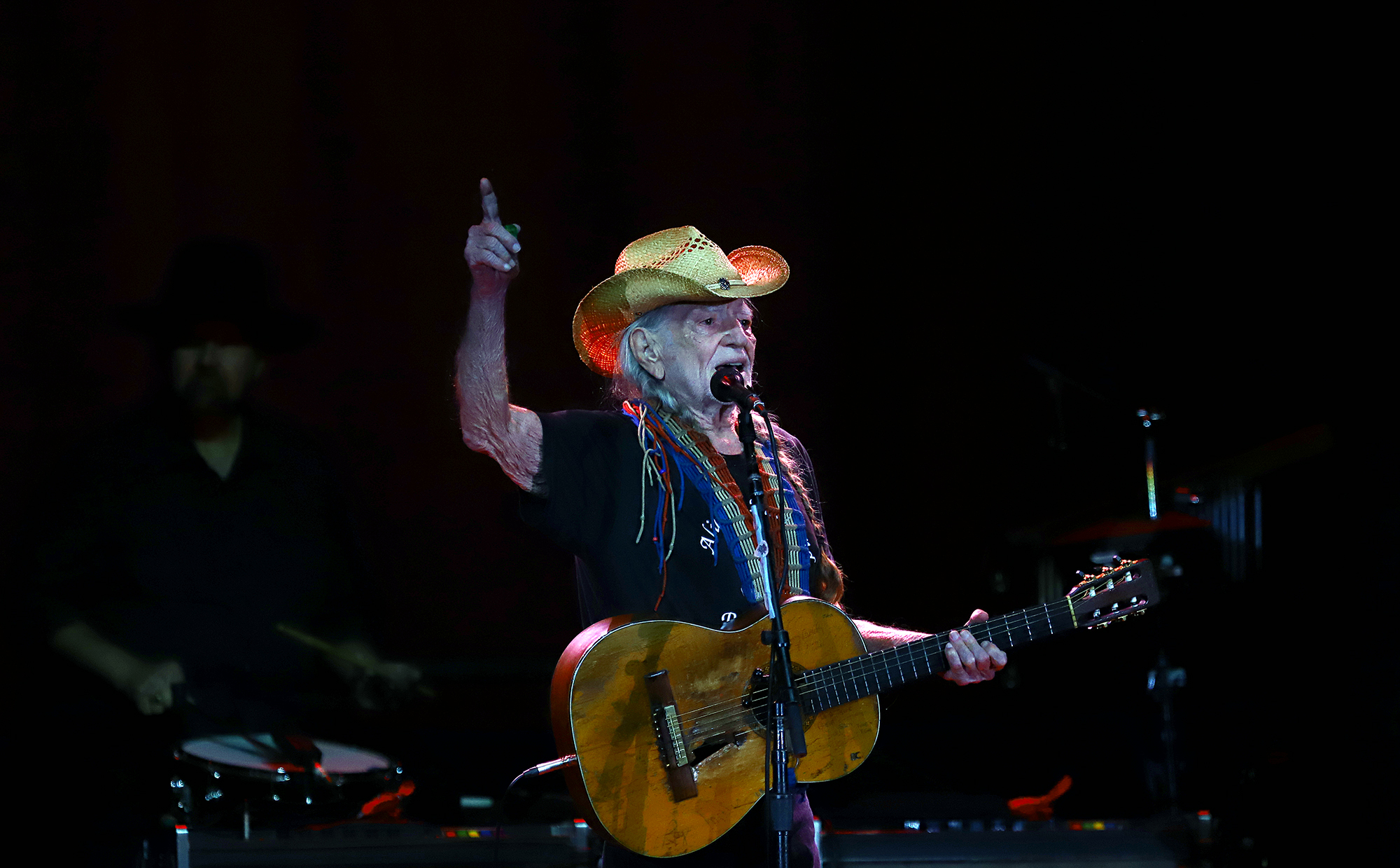 Willie Nelson returns in good health and fine form at Outlaw fest