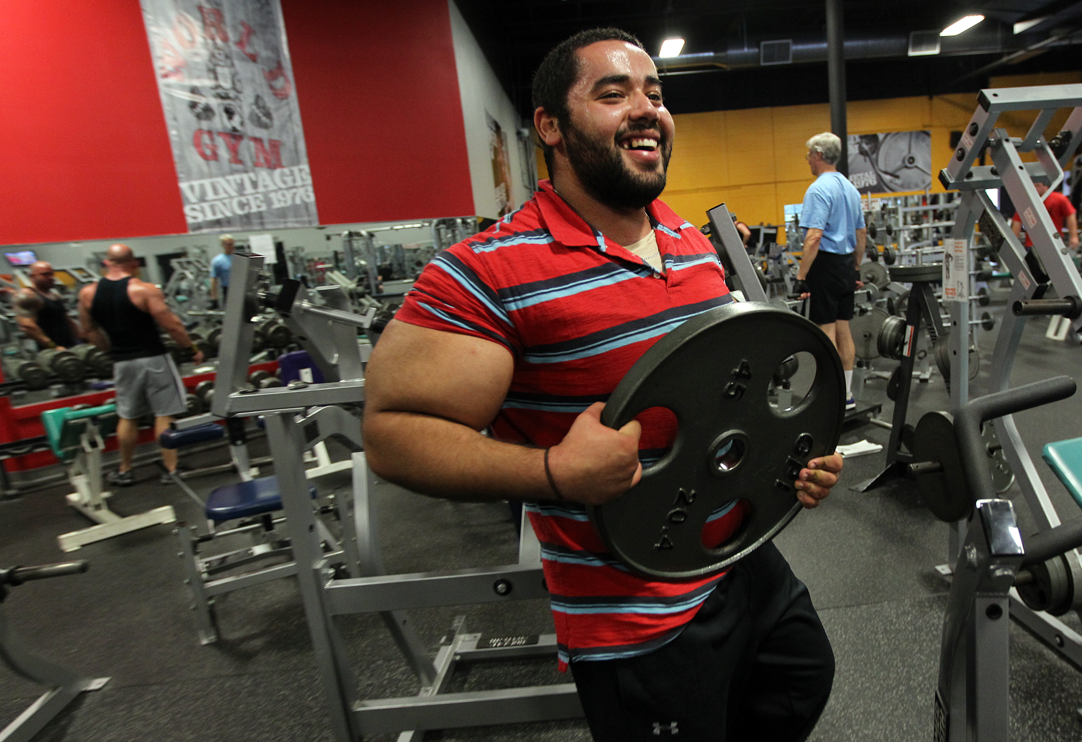 Guinness hails Franklin man's 31-inch biceps - The Boston Globe