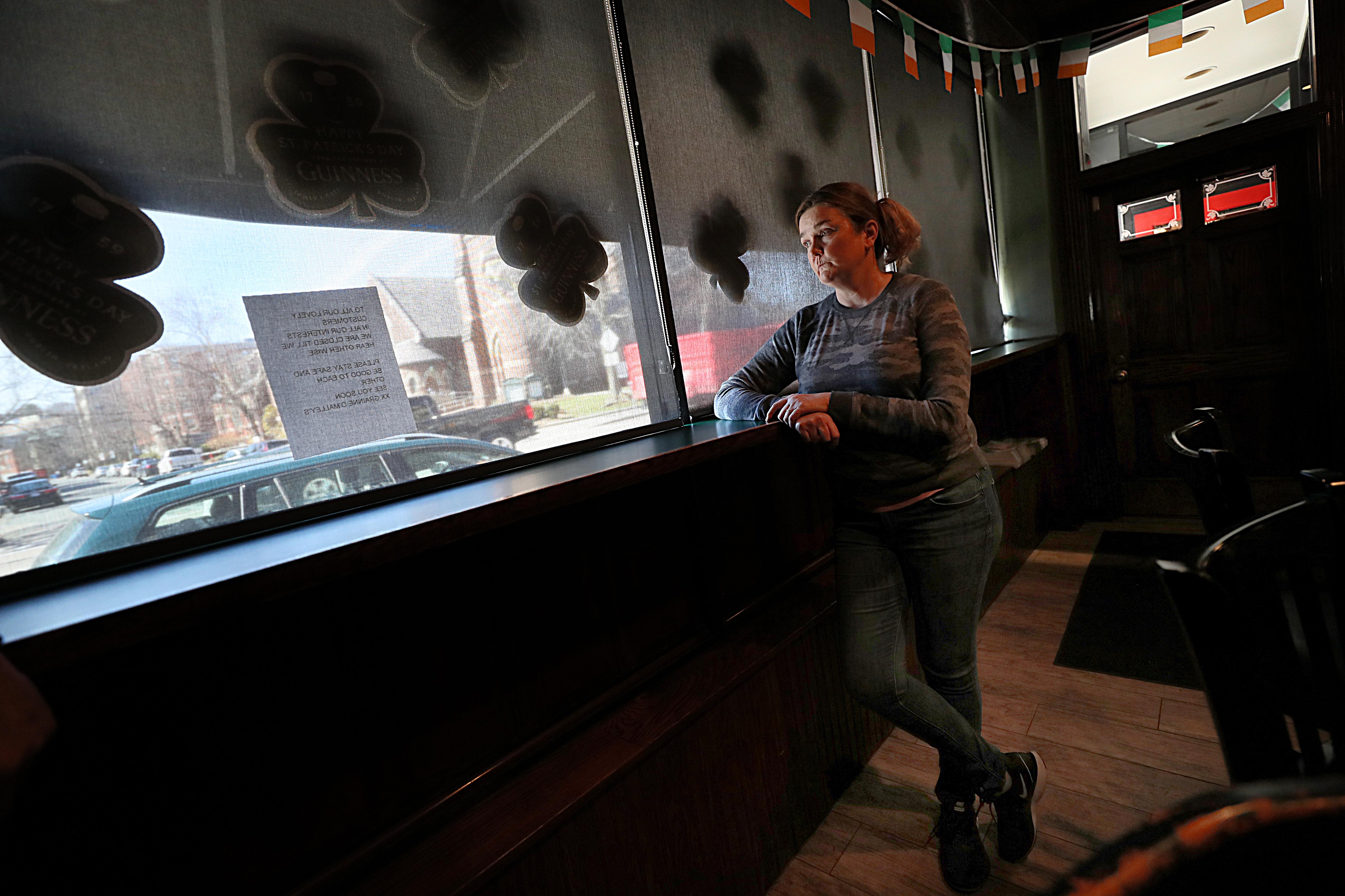 As Bars Bid Farewell A Parting Glass The Boston Globe