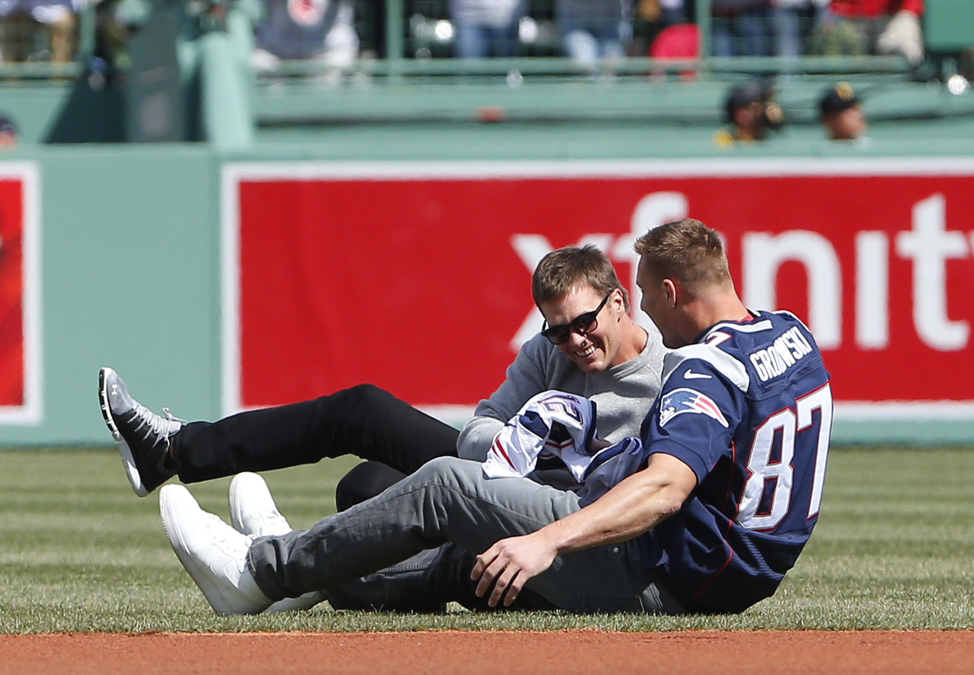 Play-by-play: Gronk 'steals' Brady's jersey at Fenway - The Boston ...