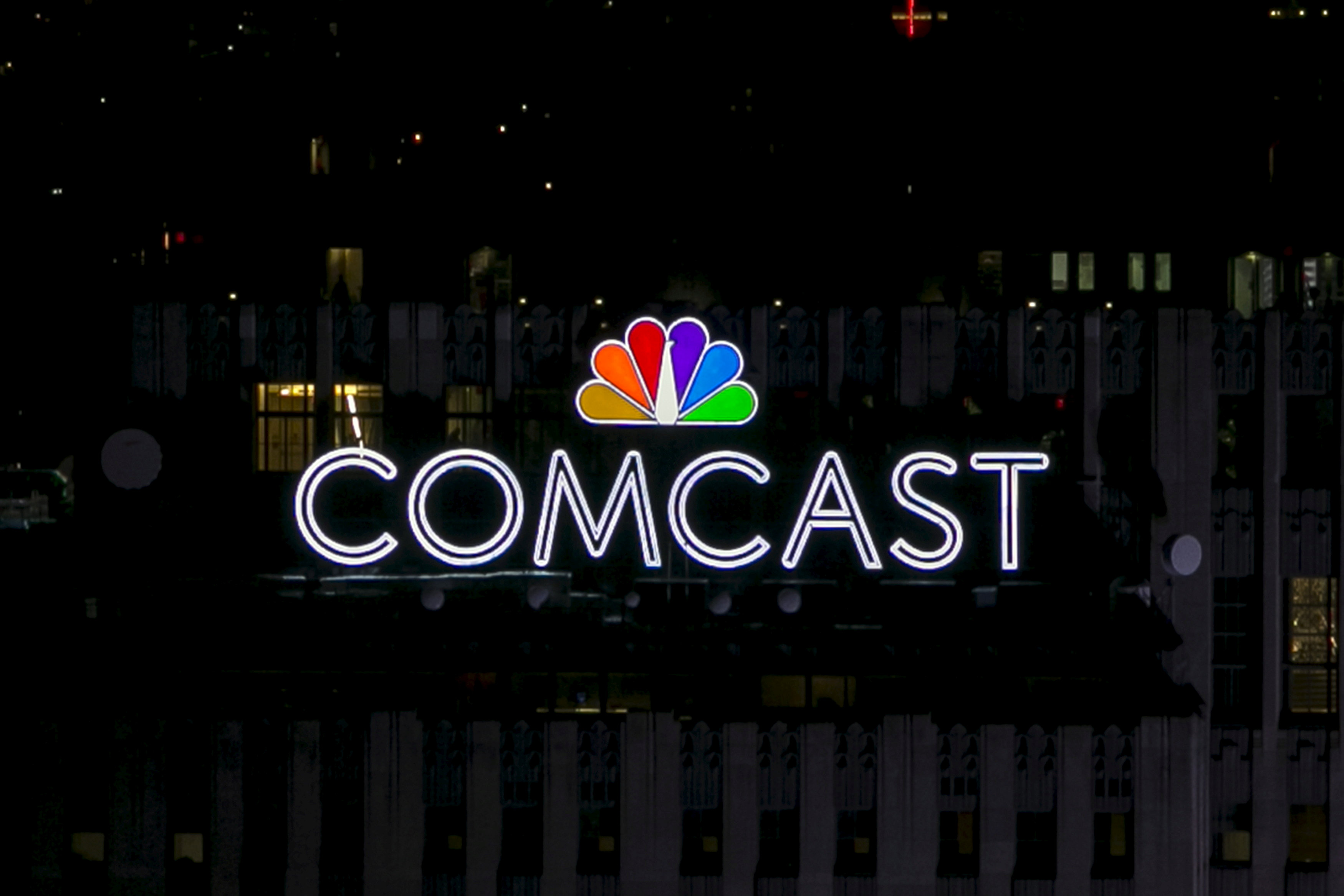 Comcast Service Should Be Returning To Normal After Hourslong Outage The Boston Globe