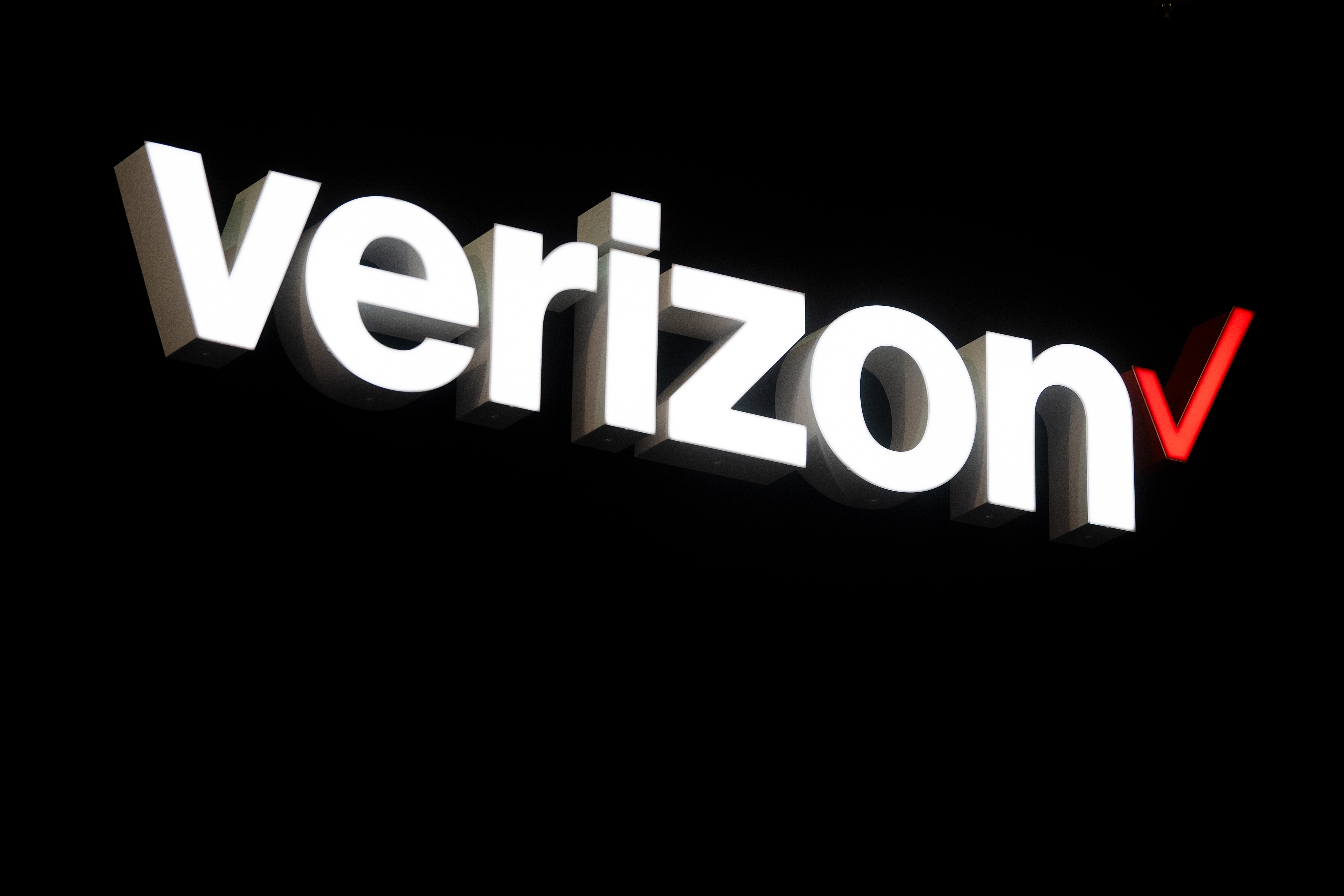 Verizon says a texting outage on the East Coast has been