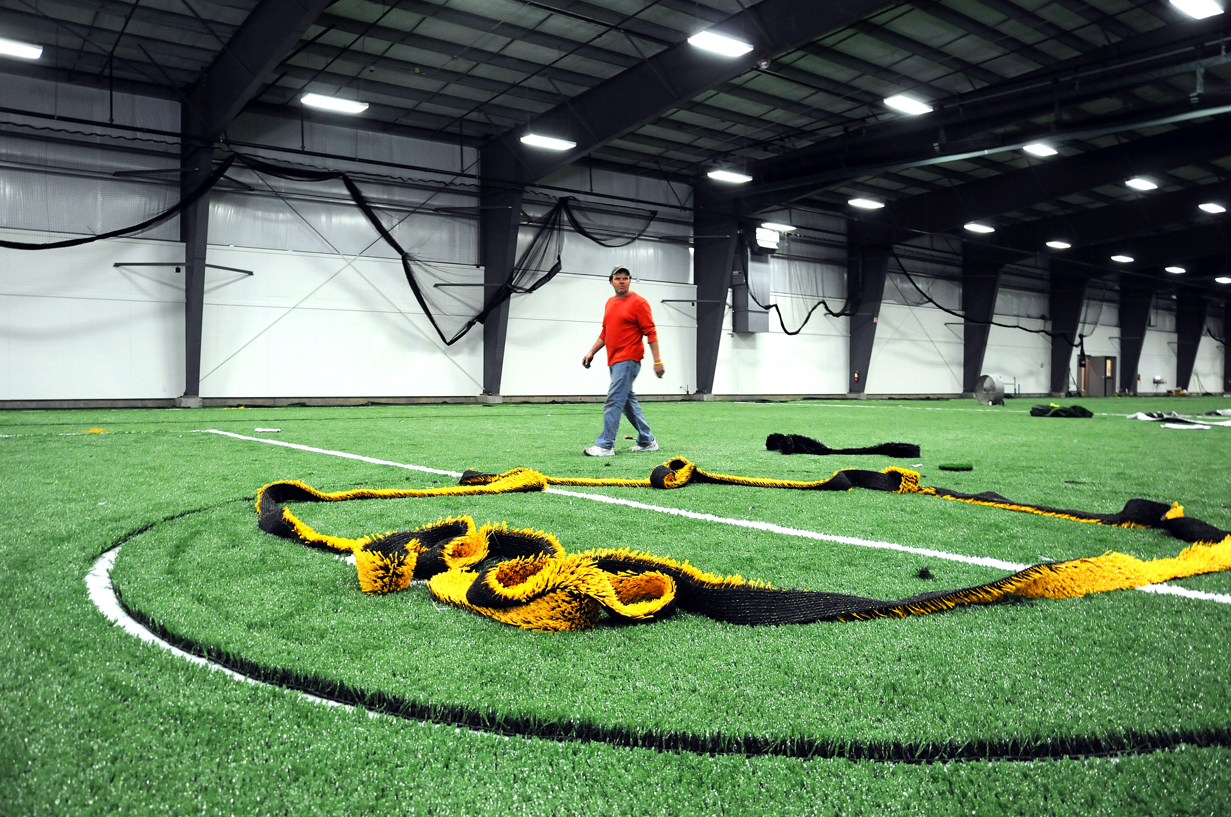 Starland opens its new athletic center - The Boston Globe