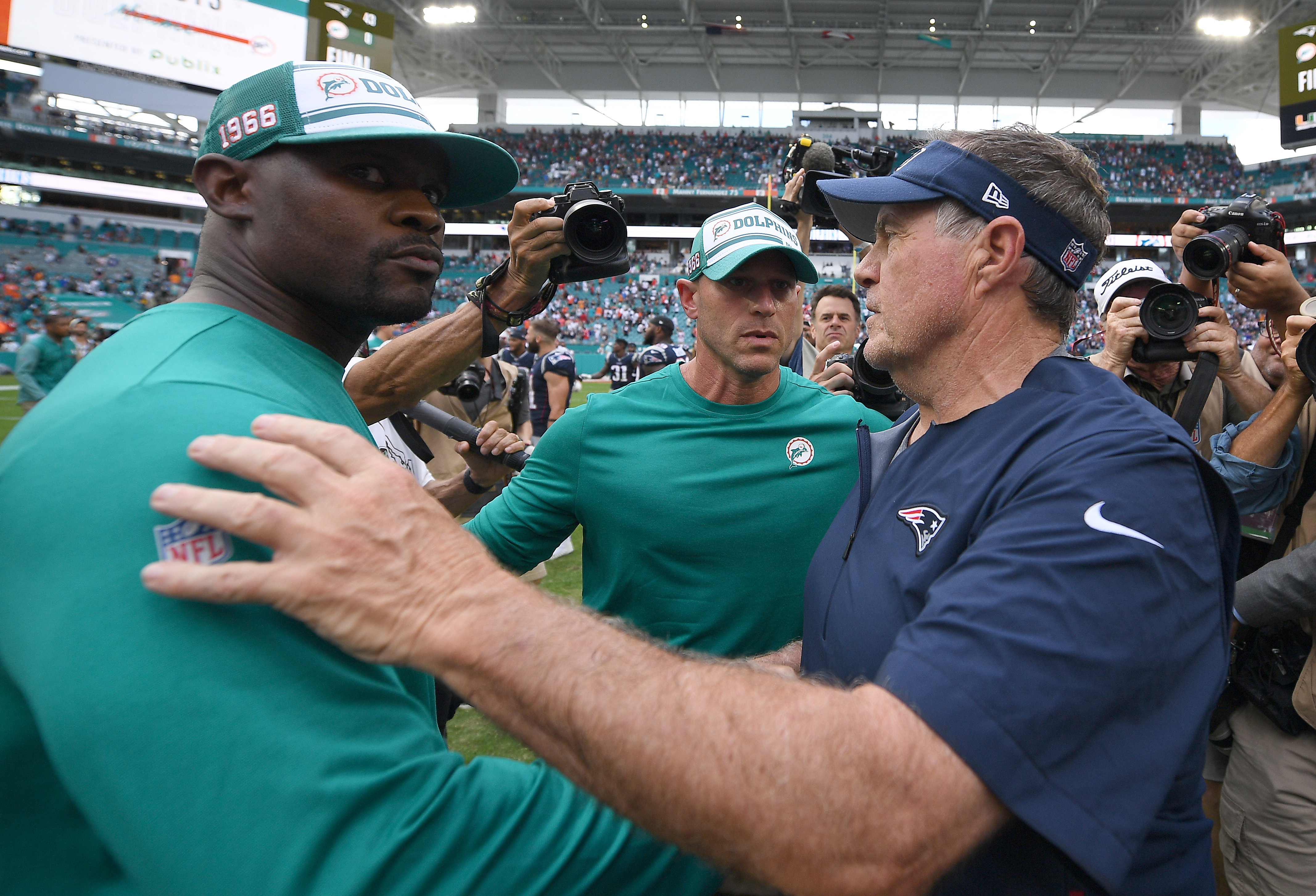 Brian Flores doesn't shy away from bringing a Patriots flavor to ...