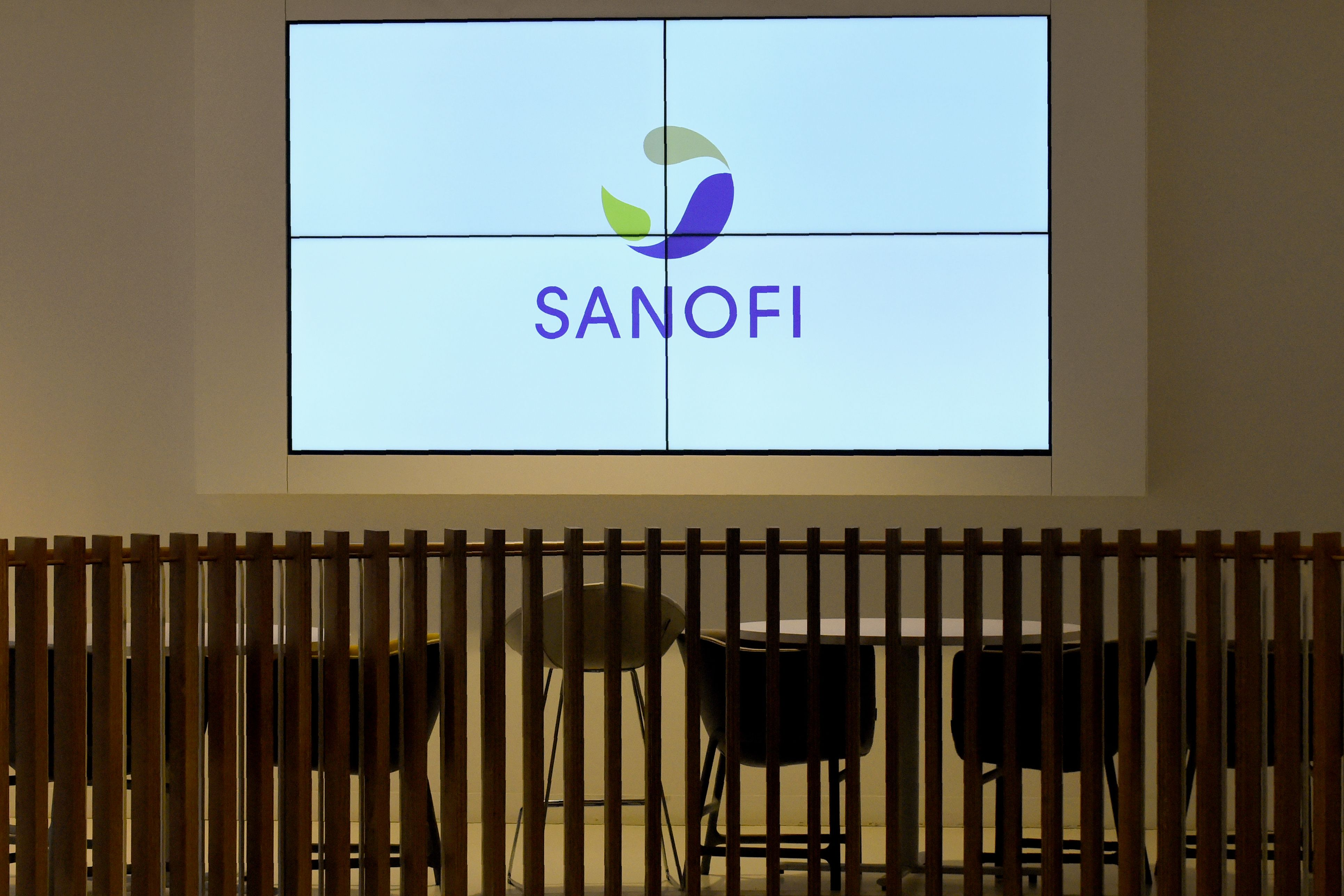 Sanofi Genzyme puts hold on arthritis medicine following surge in