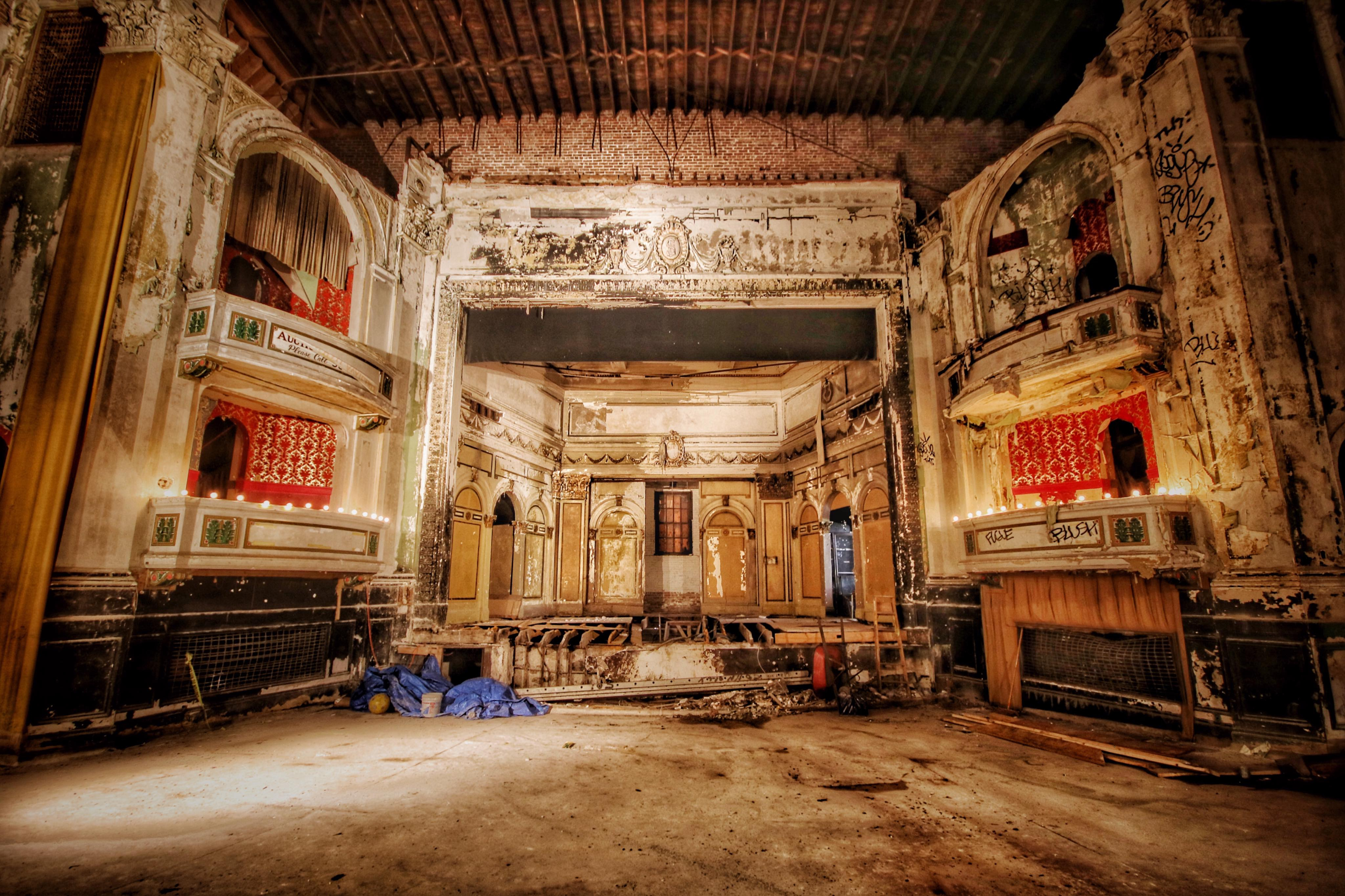 New England S Real Haunted Houses Photographer Focuses On The Area S Abandoned Buildings The Boston Globe