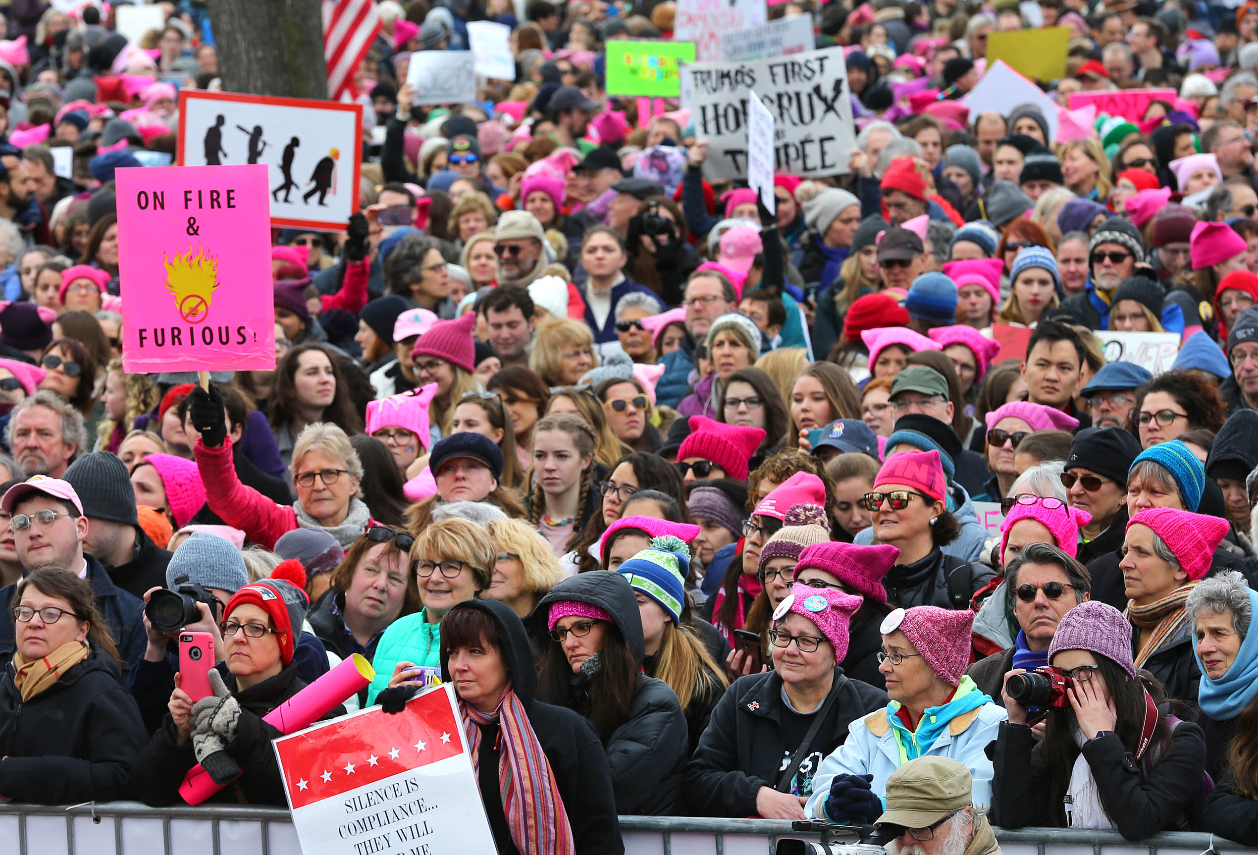 b16919f005e587 One year later, thousands gather for second Boston women's march - The  Boston Globe