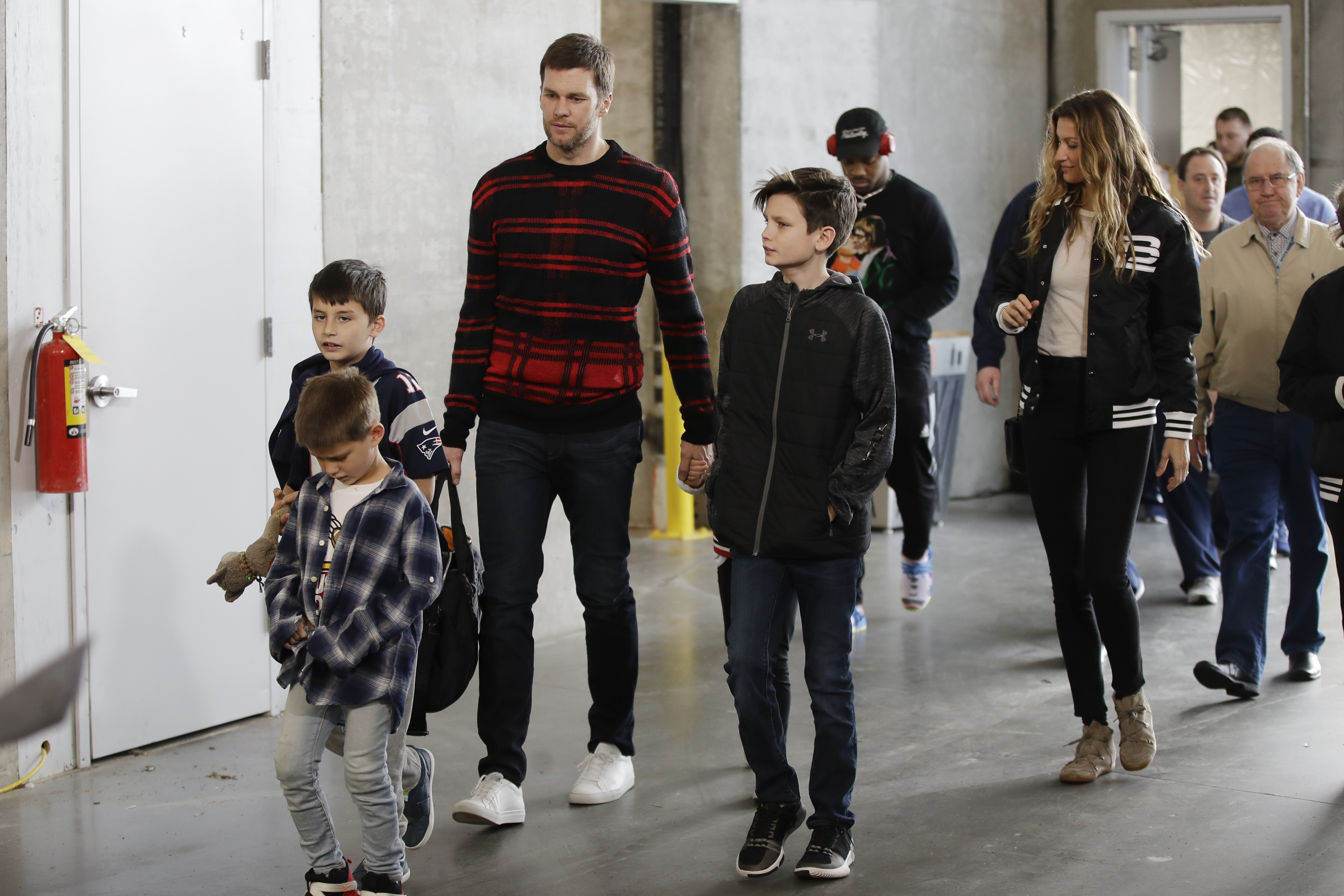 Yes Tom Brady S Family Did Their Annual Super Bowl Photos The Boston Globe