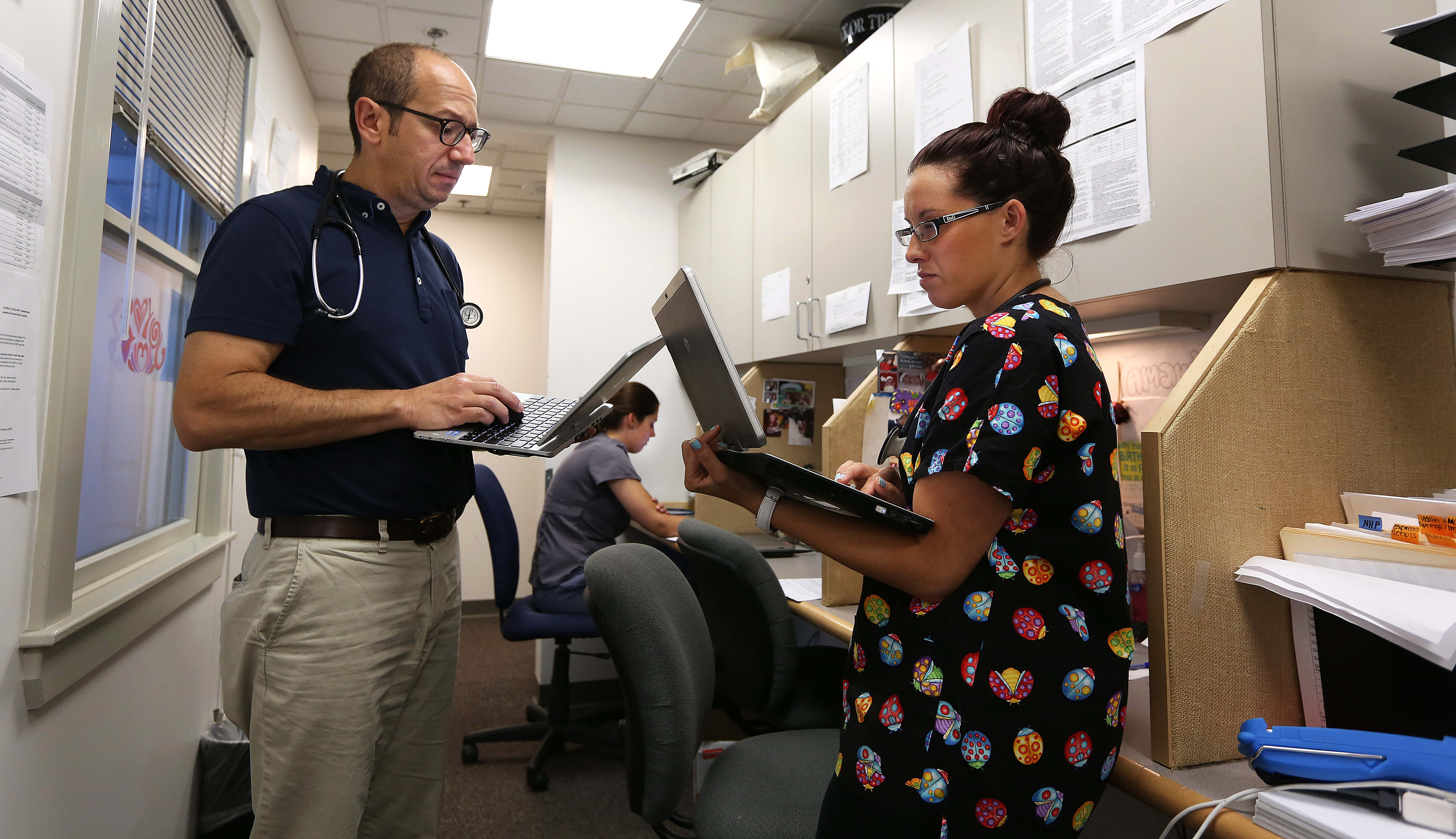 Hazards tied to medical records rush - The Boston Globe