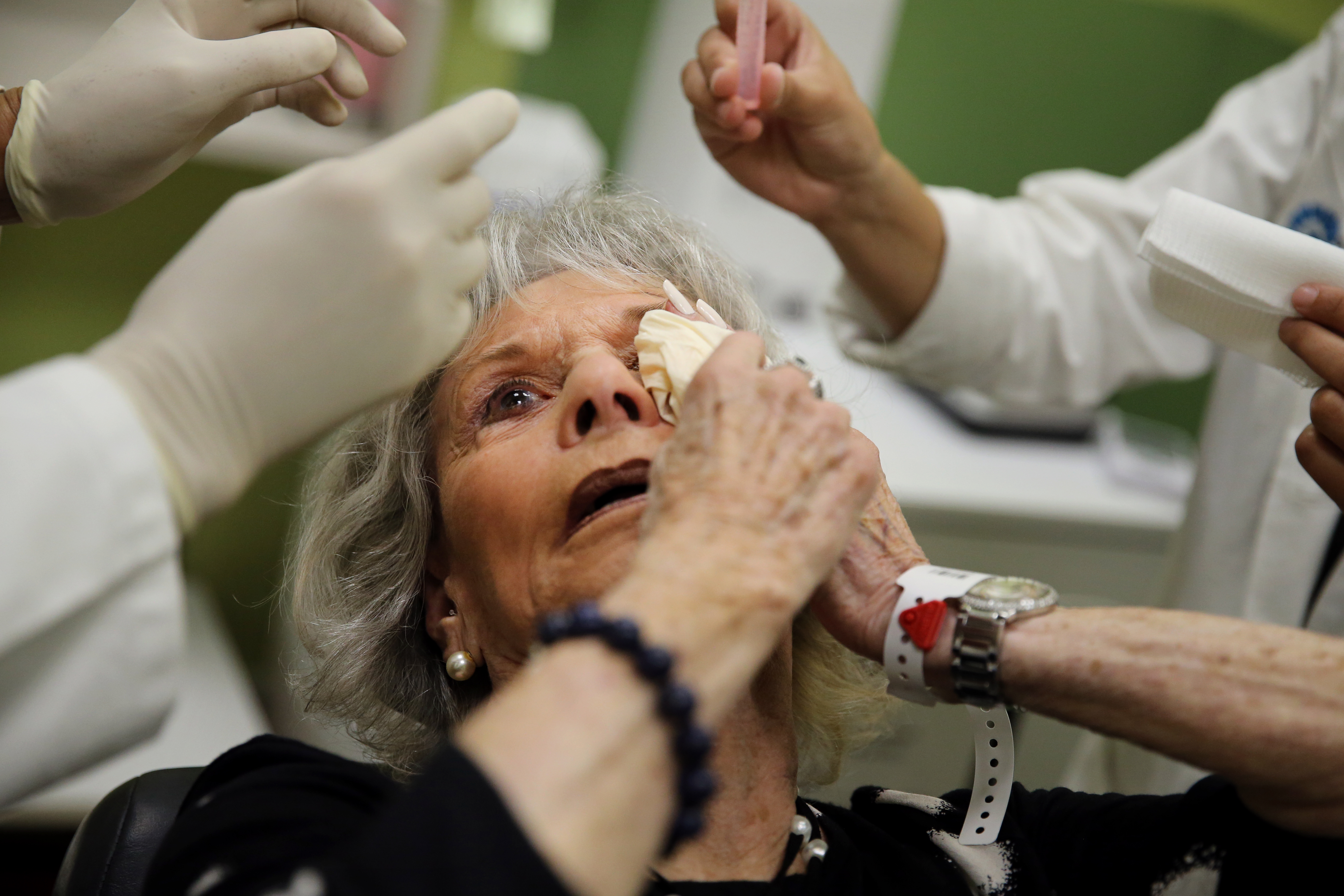 Hope for new macular degeneration treatments buoys patients - The