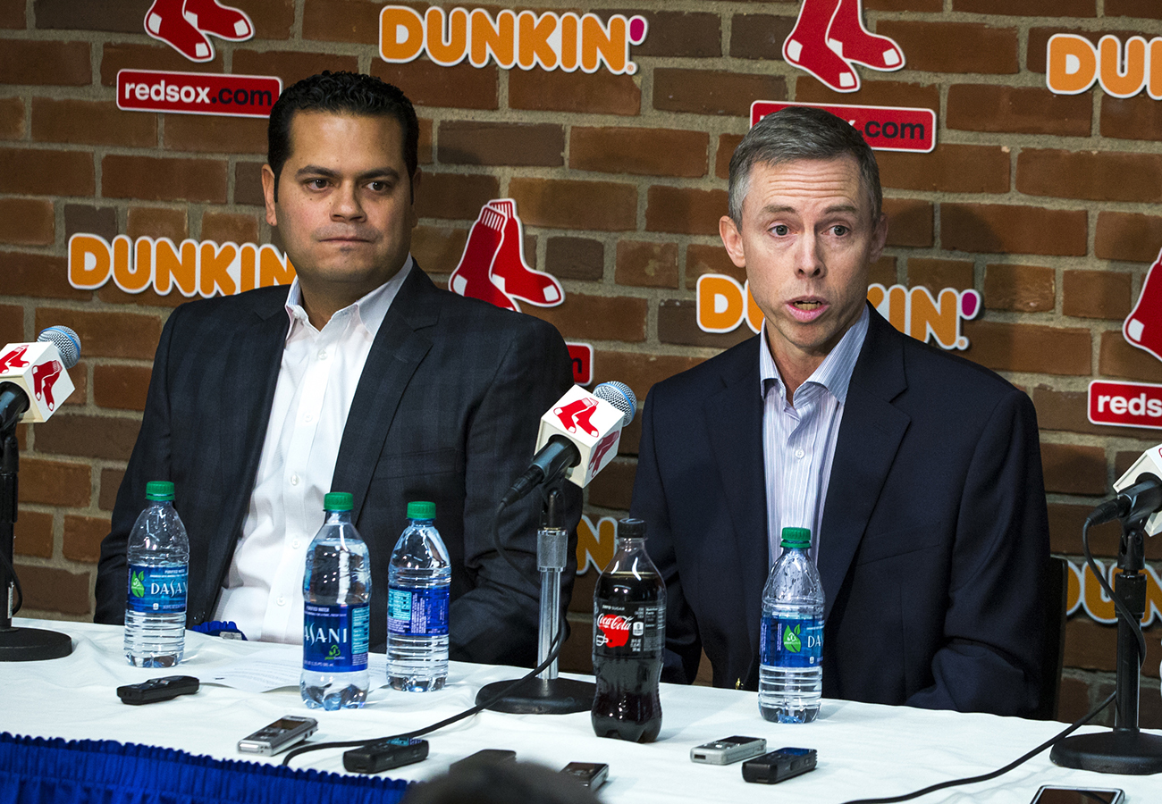 Red Sox can learn from their recent experience with GM-by-committee