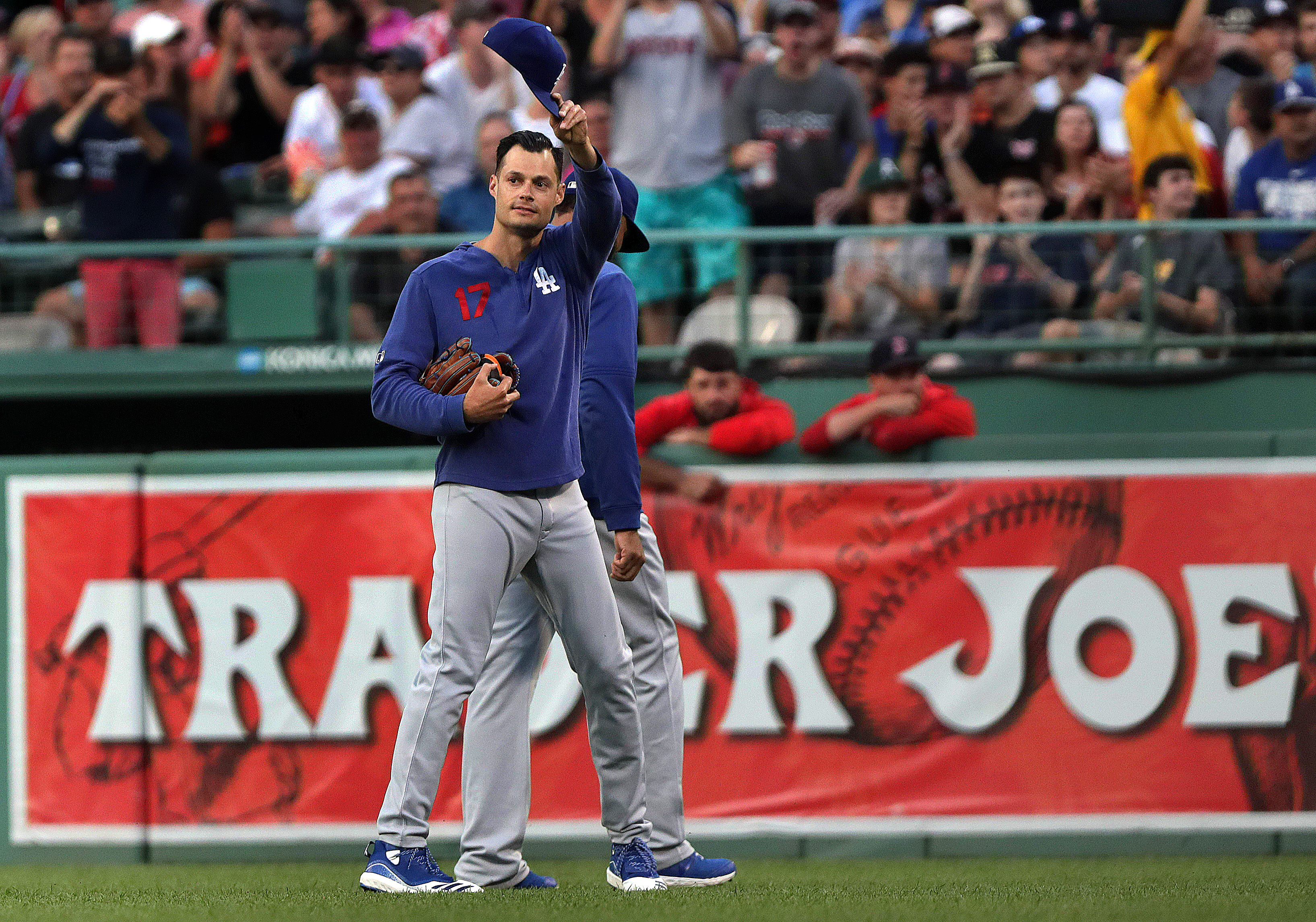 best cheap 62c15 5b449 Joe Kelly receives a warm Fenway welcome in his return - The ...
