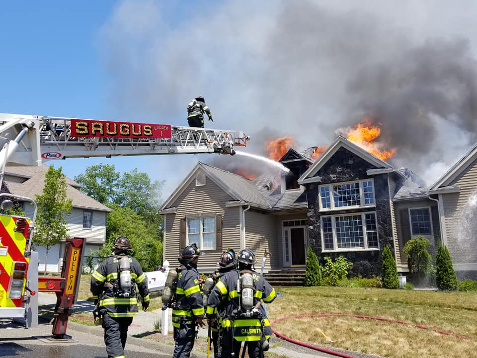 Saugus fire caused by spontaneous combustion of oily rags