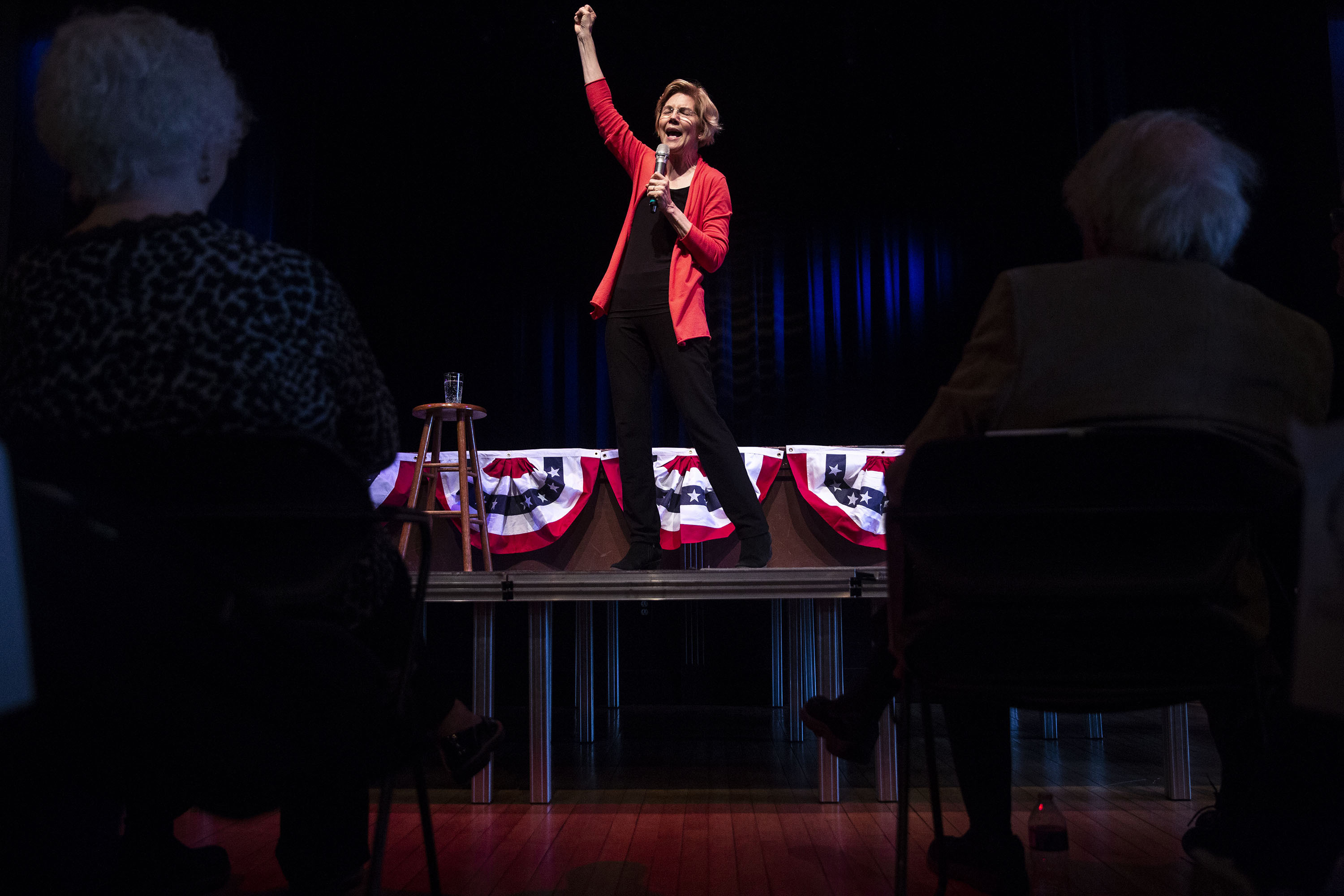 Elizabeth Warren's fearless campaign is sagging in the polls. She should keep at it.