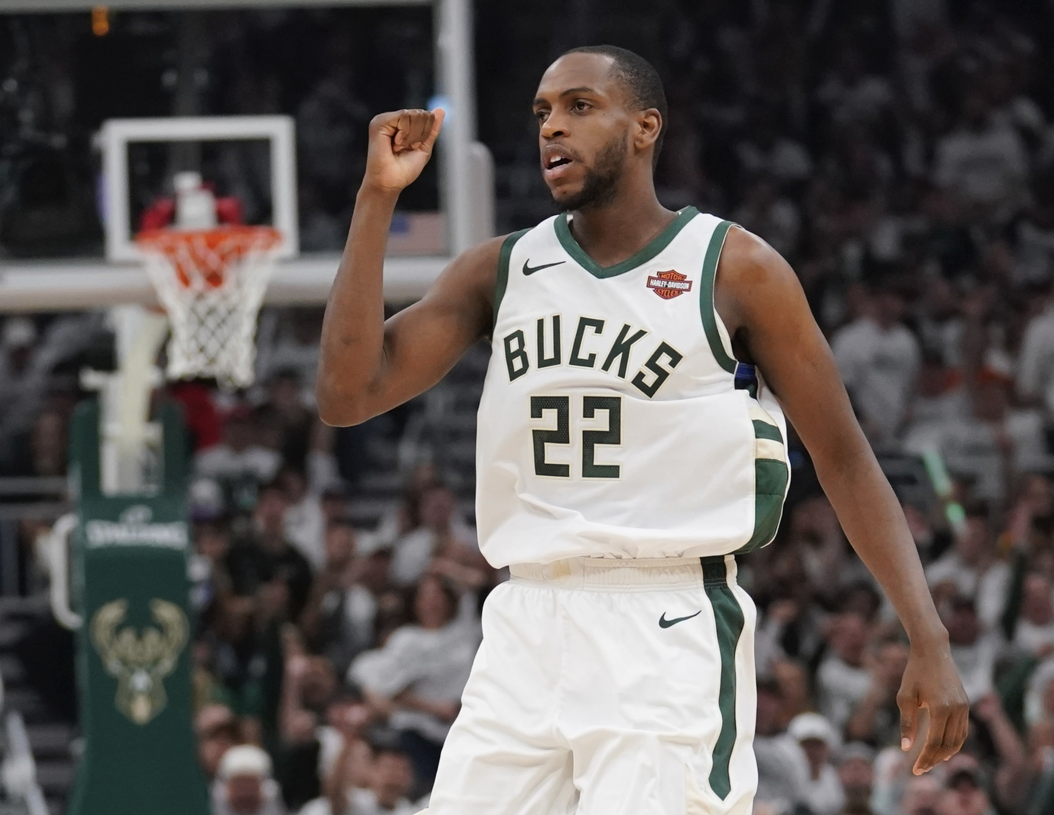 8f4a5195b87 He's watched Antetokounmpo and Middleton turn Bucks into a power - The  Boston Globe