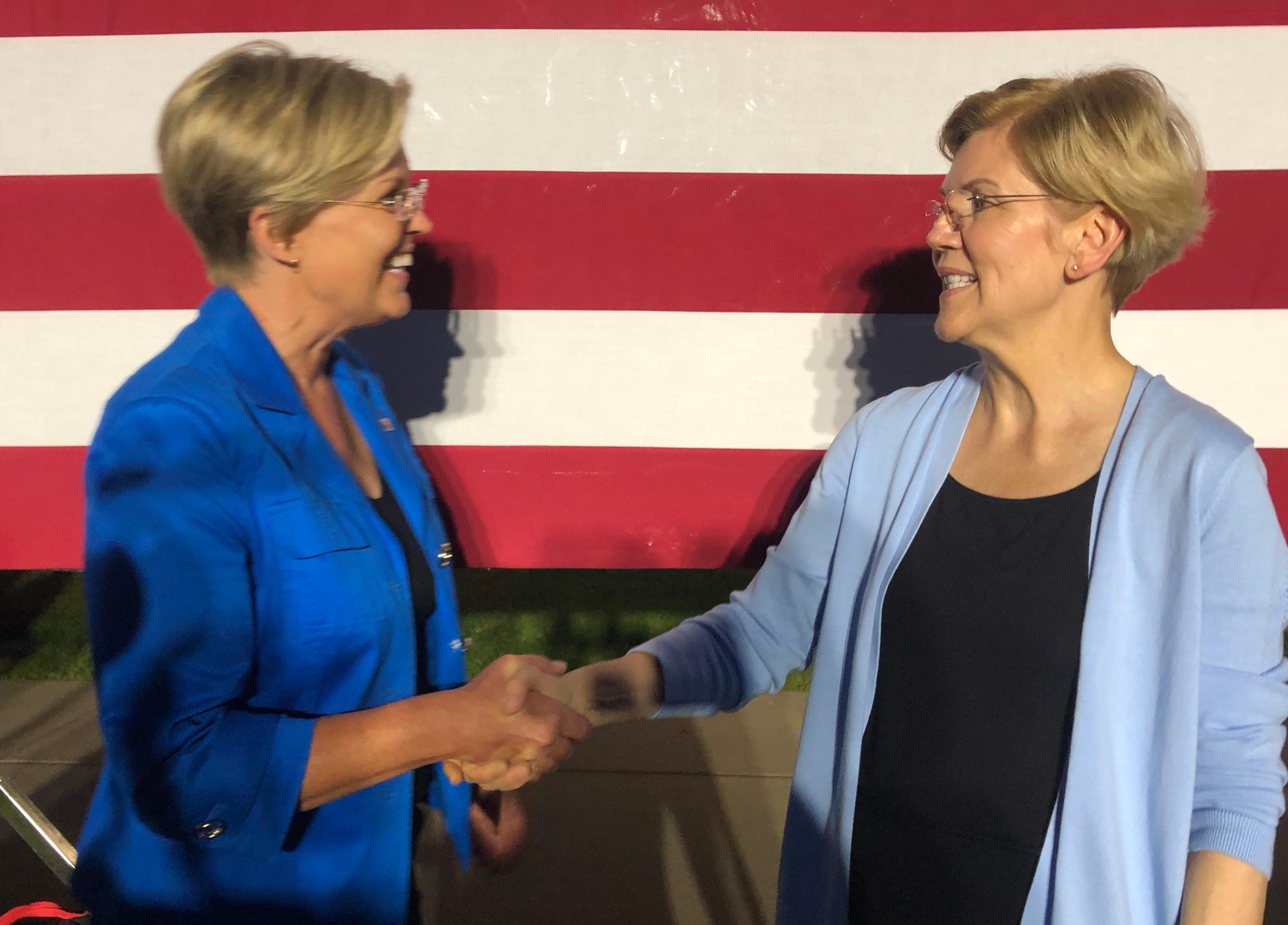 Elizabeth Warren met her doppelganger in Minnesota last night