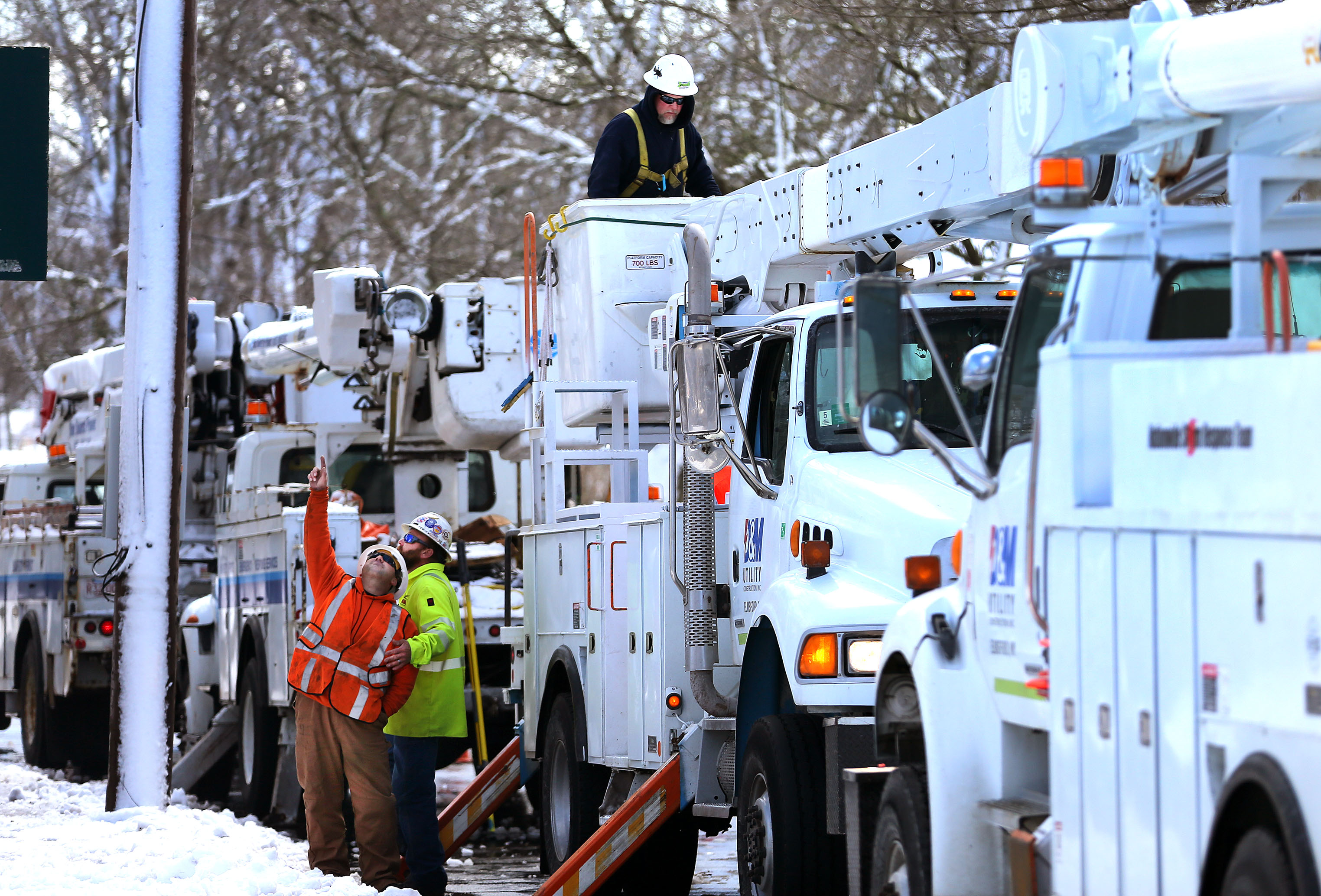 Power outage numbers dropping on Cape Cod - The Boston Globe
