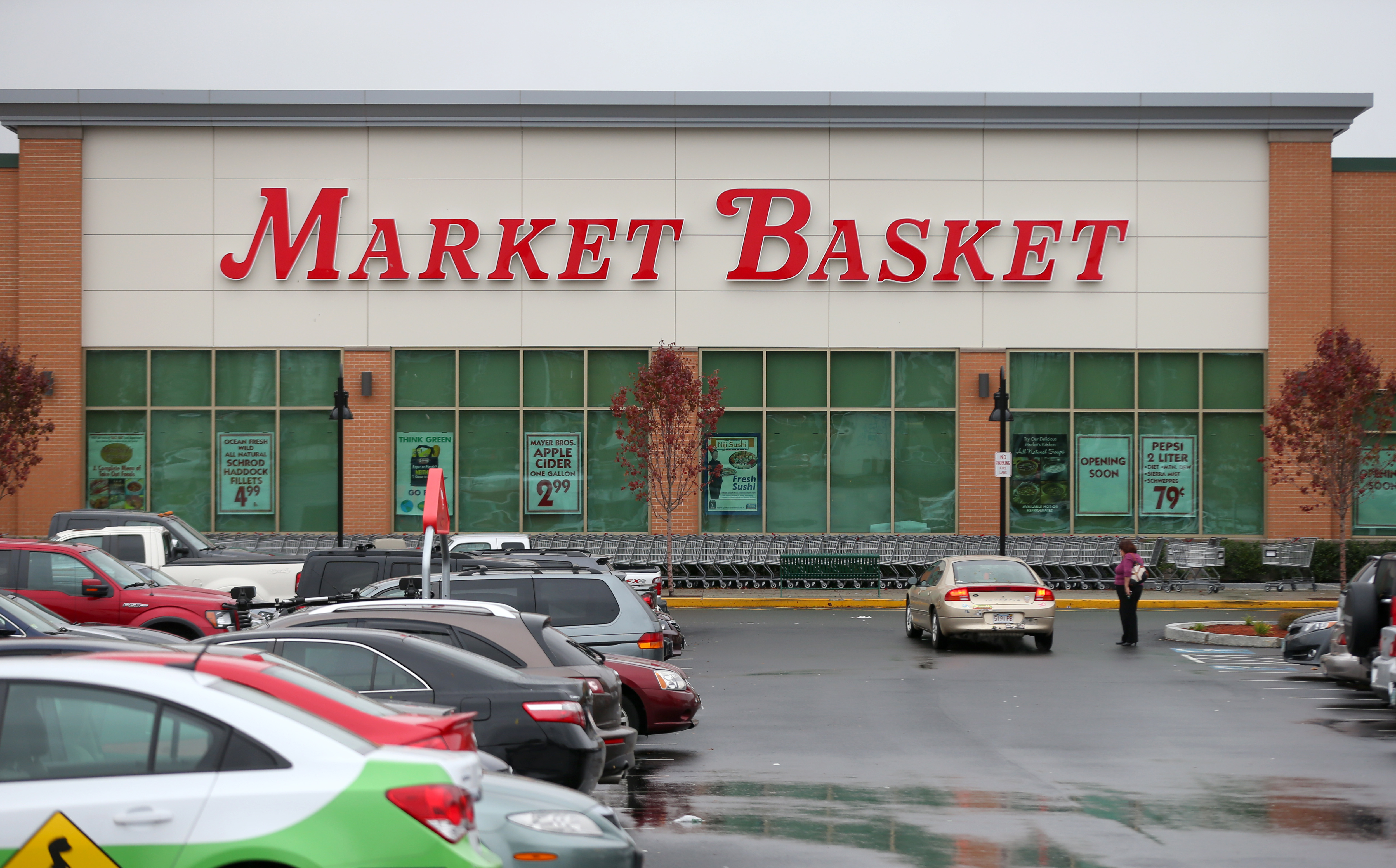 Market Basket says stores are 'ghost-free' after reported