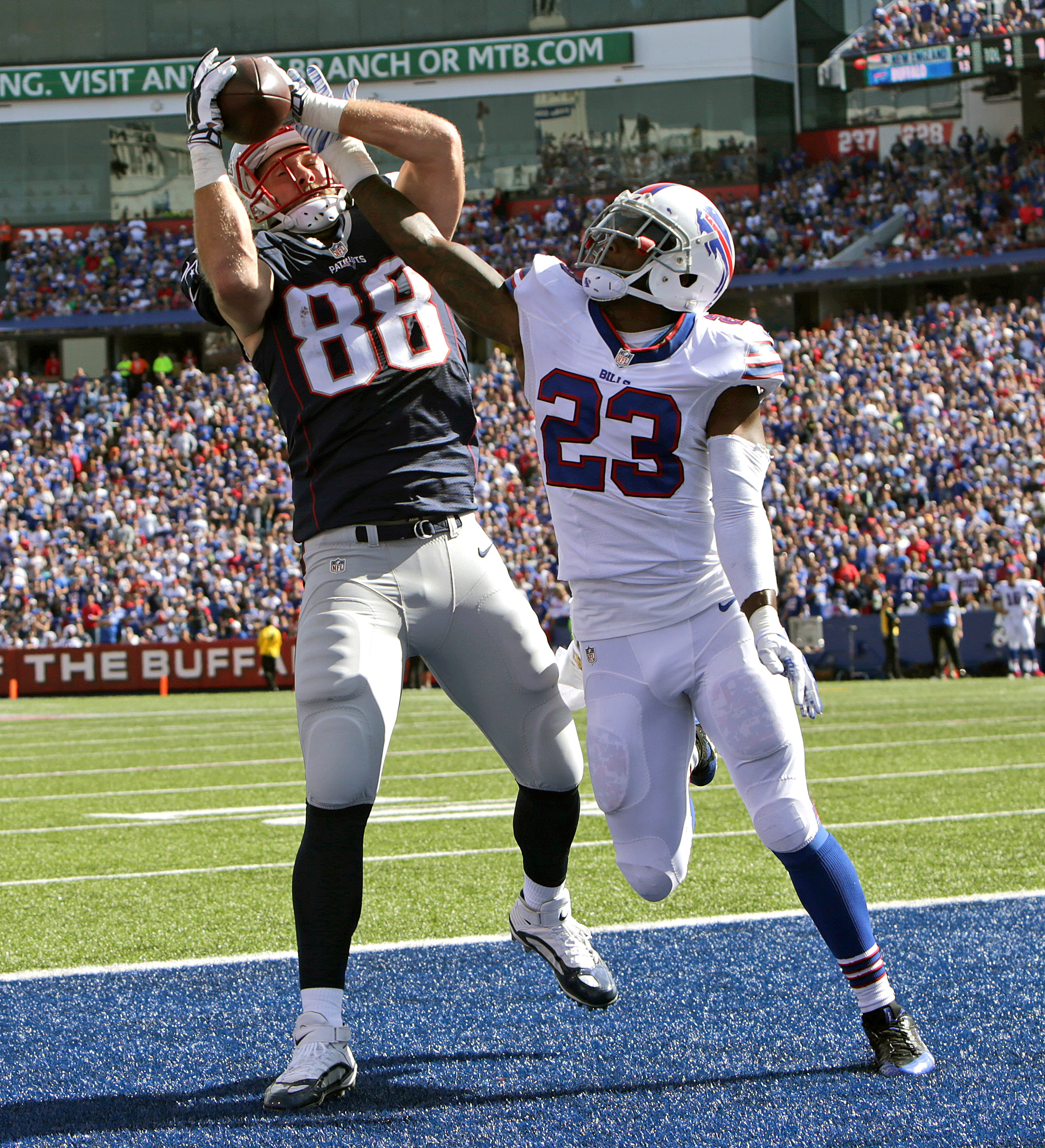 Patriots TE Scott Chandler playing at home on the road - The ...