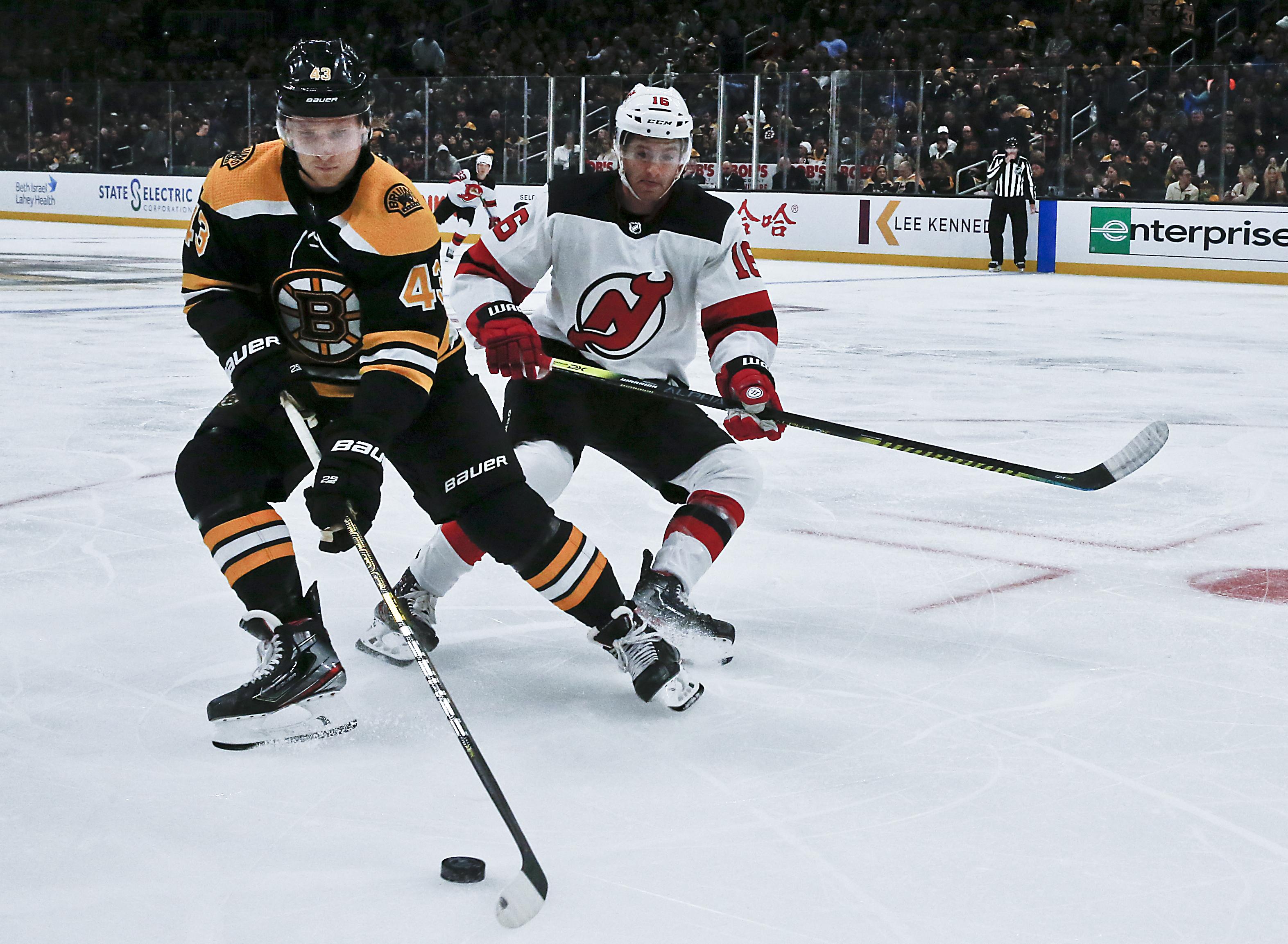 Heinen, Coyle key building blocks for Bruins' third line