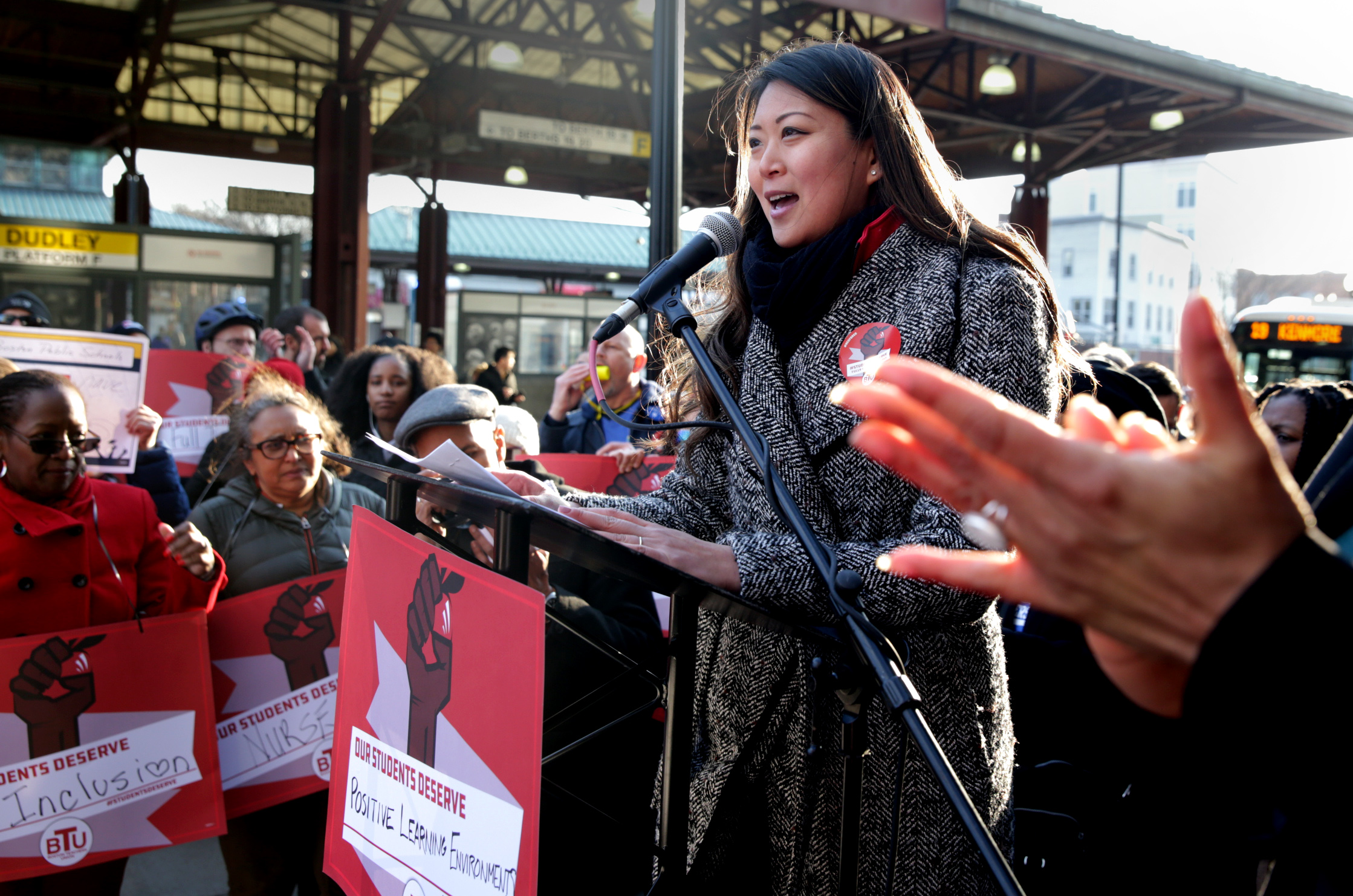 Teachers push for more student services at rally - The