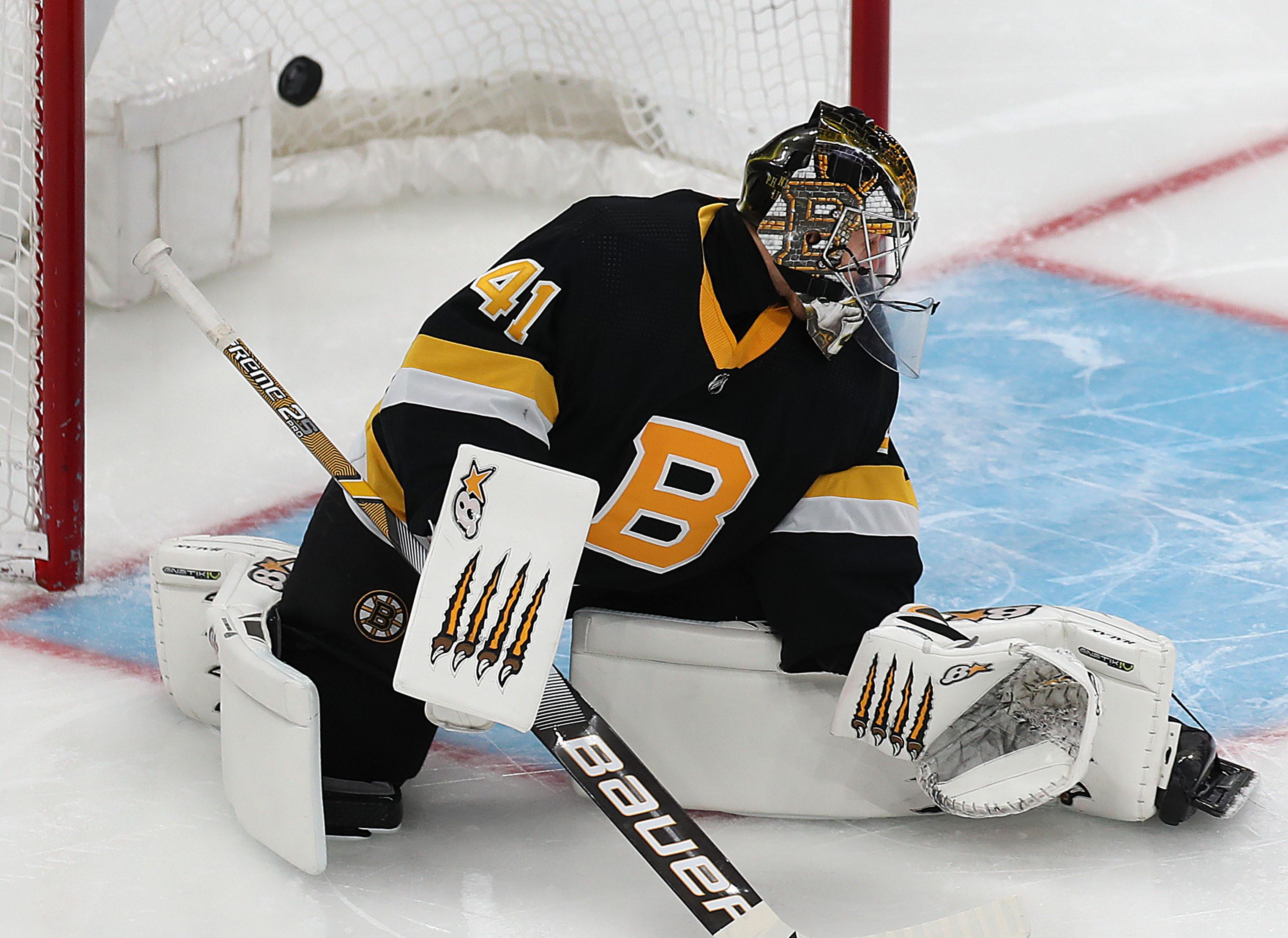 Jaroslav Halak now in the spotlight for Bruins