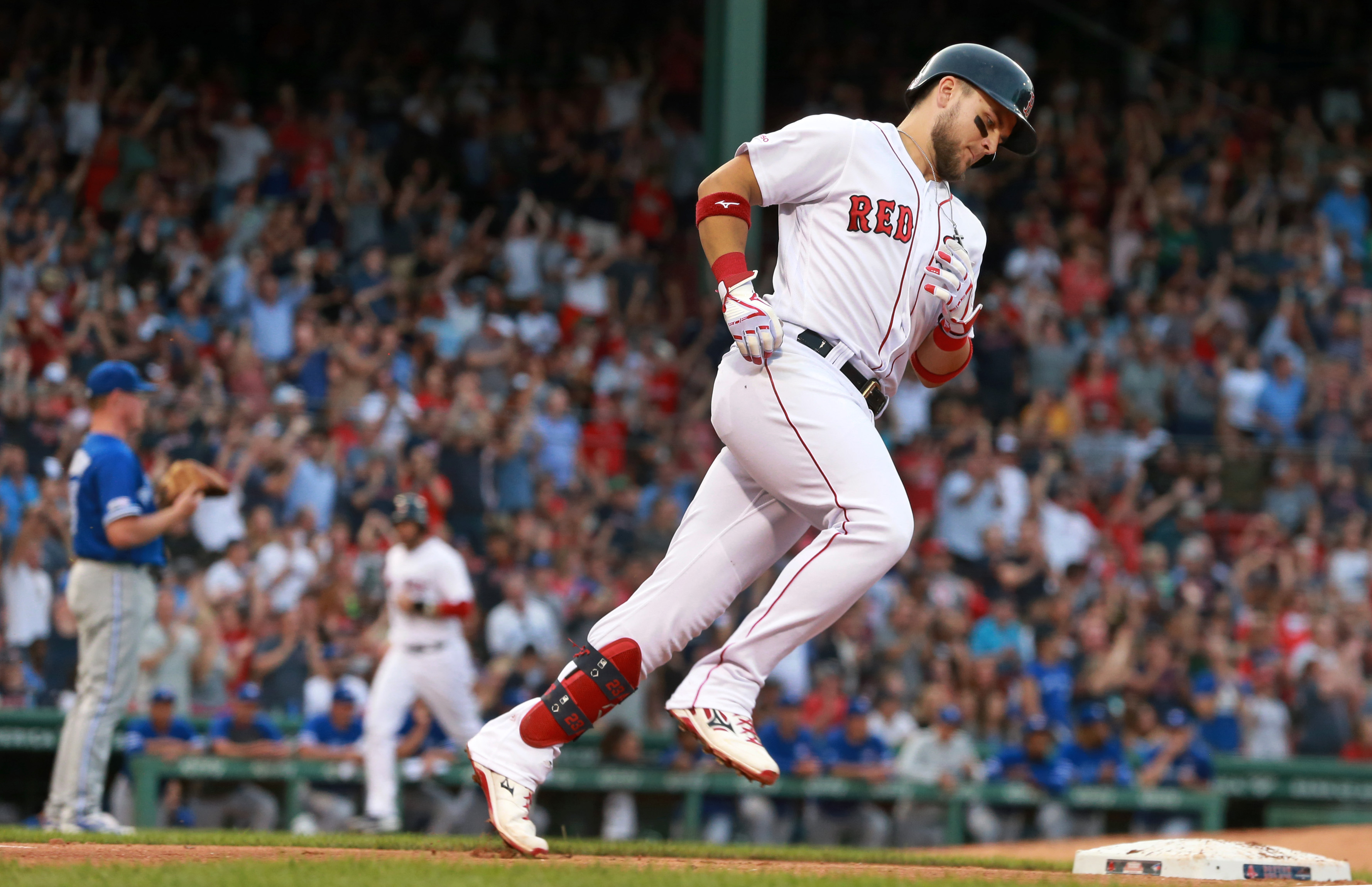 Red Sox slug their way past Blue Jays