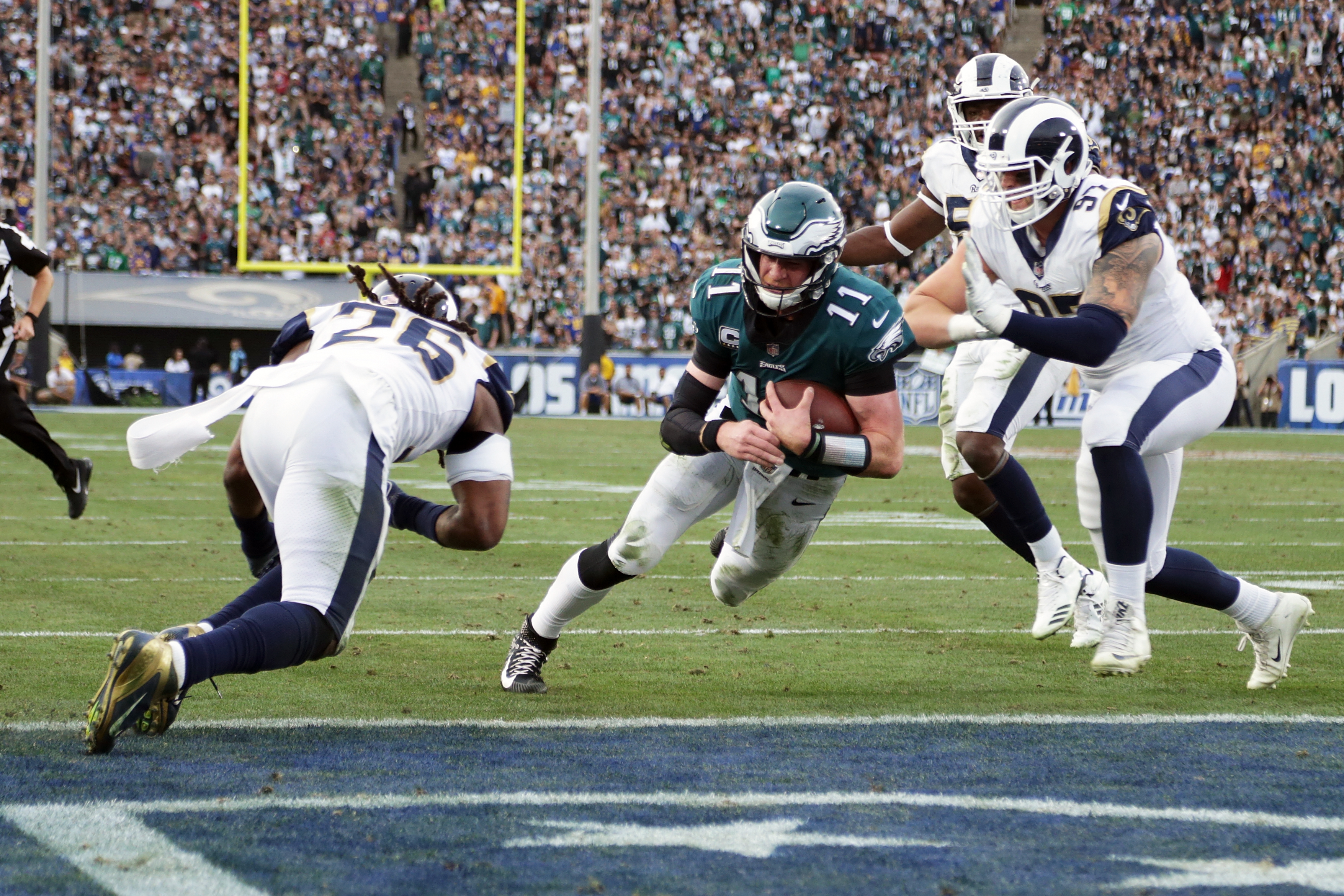 Eagles Beat Rams But May Have Lost Qb Carson Wentz For Season