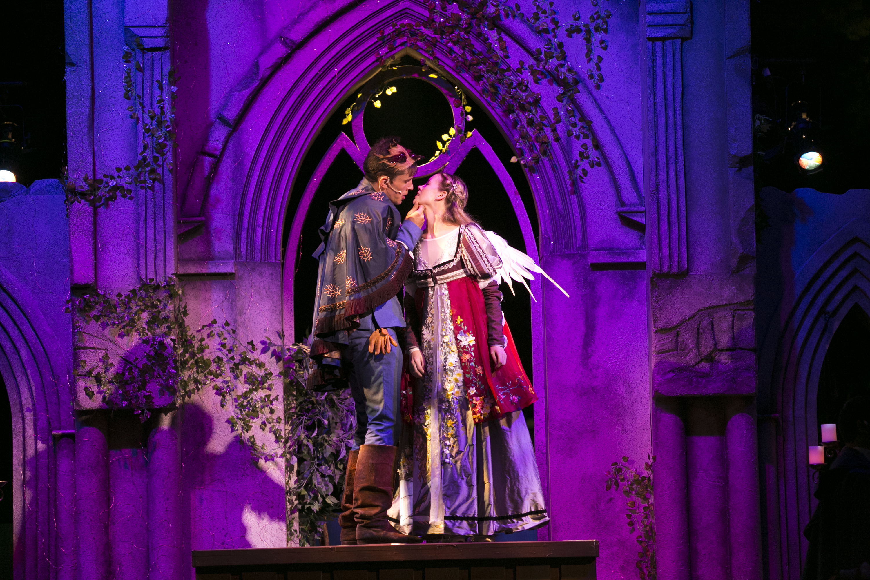 'Romeo and Juliet' blends darkness, light in agile Boston Common production