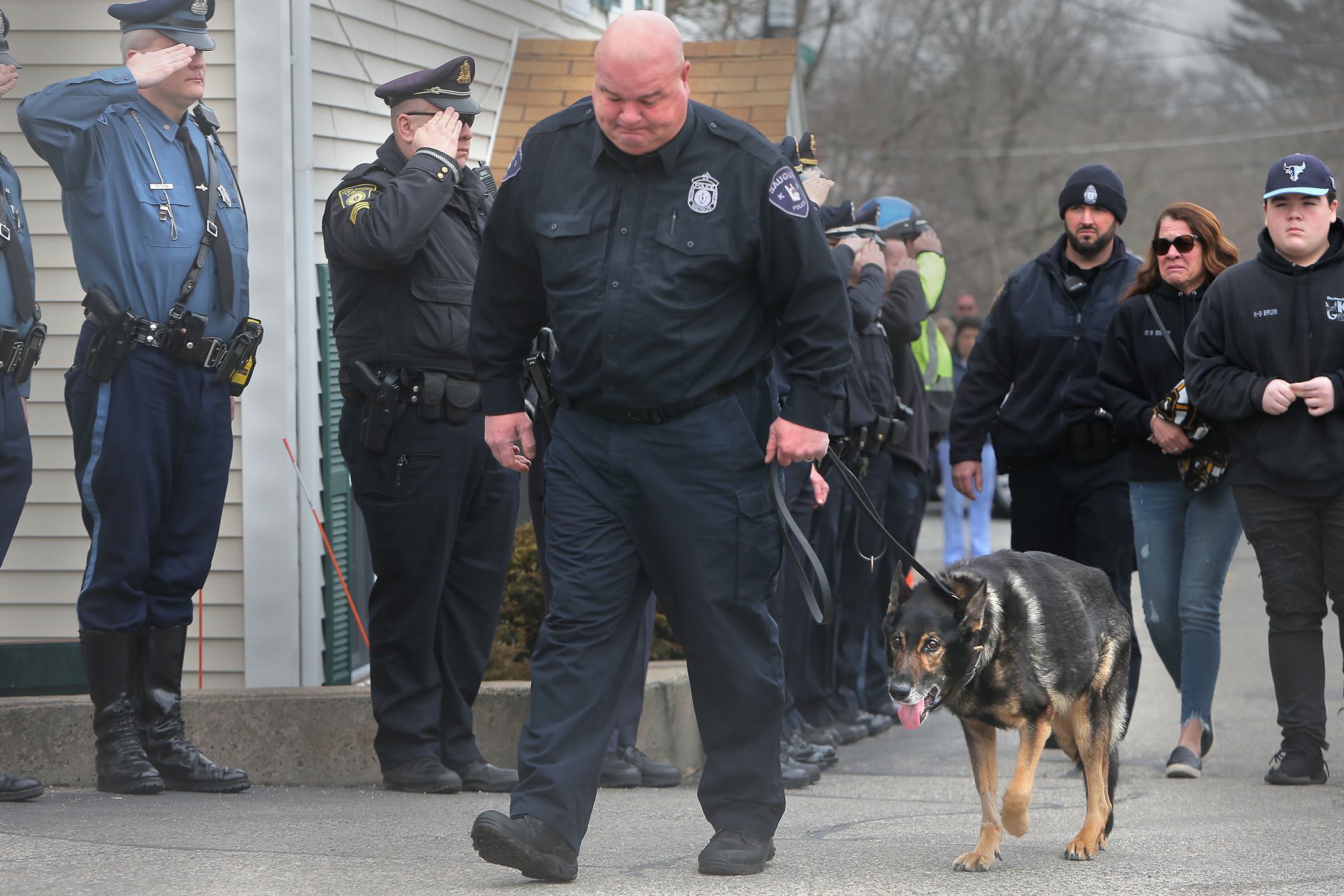 Saugus police bid a tearful goodbye to cancer-stricken K-9
